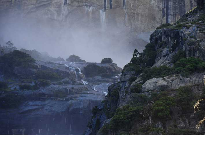 USA; South west; 4000 miles; Road trip; National Park; Parcs nationaux; Parc national; CALIFORNIA; CALIFORNIE; NEVADA; UTAH; COLORADO; San Francisco; Yosemite; Mono Lake; Lac Mono; Death Valley; Vallée de la mort; Los Angeles; Las Vegas; Zion; Bryce Canyon; Coral sand dunes; Grand Canyon North rim; Grand Canyon rive nord; Horse Shoe Bend; Lake Powell; Antelope Canyon; Monument Valley; Mesa Verde; Mustang; Canyon de Chelly; Petrified Forest; Phoenix; Santa Barbara; PCH; Pacific coast highway